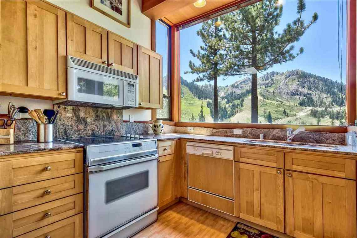 Squaw Valley Interior Mountain Home View