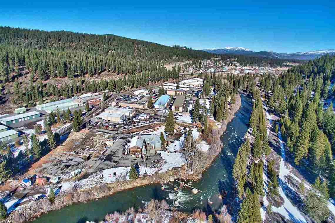Truckee Drone Overhead River View